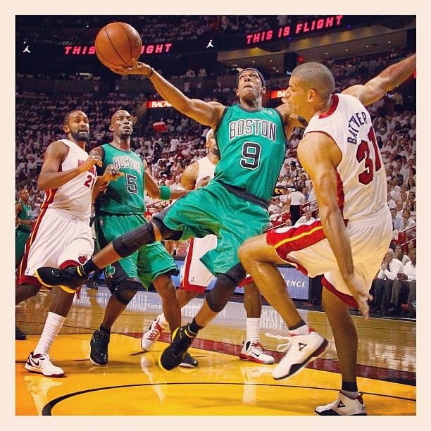 Rondo attacking the basket early and often in Game 2 against the Heat