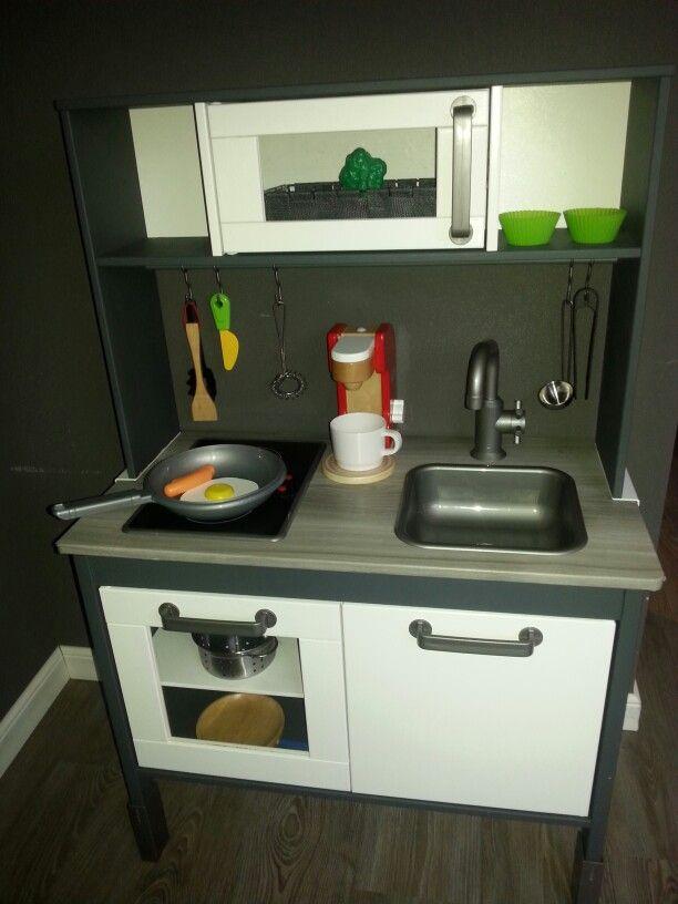 Zelf Ikea keukentje gepimpt