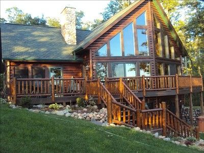 Hayward chalet on clear water 5 100 acre lac courte for Log cabin with walkout basement