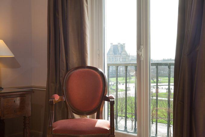 Hotel with a view - Louvre/Tuileries - Hotel Brighton - Esprit de France - #espritdefrance #hotelbrightonparis