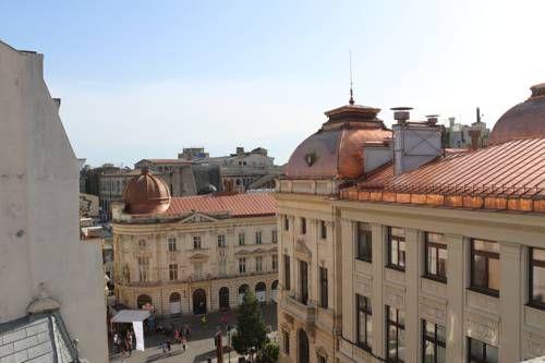 Pura Vida Sky Bar & Hostel, Bucharest