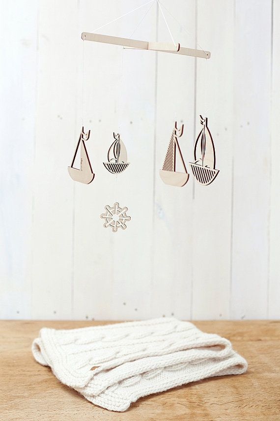 Wooden baby mobile / Nursery mobile / Baby crib by GeraBloga