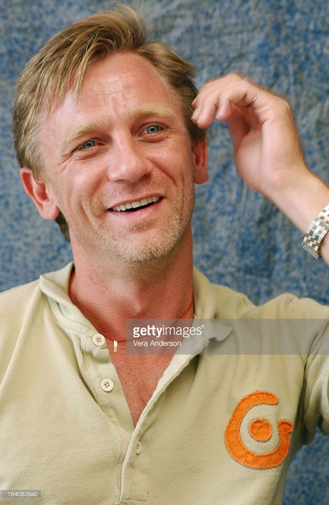 Daniel Craig during Enduring Love Press Conference with Daniel Craig and Rhys Ifans at Four Seasons Hotel in Toronto, Canada.