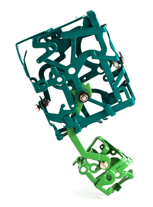 Mechanical Empire 1 (brooch) Pieces of typewriter, nots and bots, powder coated. Sonia Beauchesne Bijoux d'art - Art Jewelry