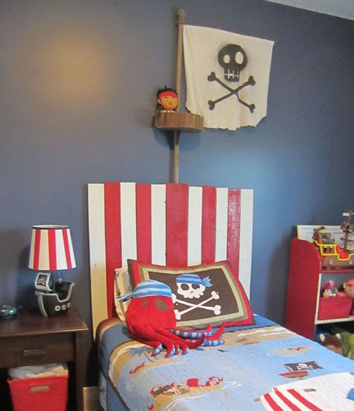 mommo design: PIRATES - pallet headboard