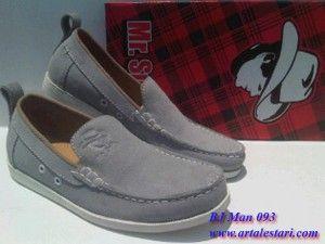 Sepatu Casual Pria Update stock sepatu casual pria.  Contact kami : SMS Center : 081315979176 / 085725396070 BB Messenger : 22335085