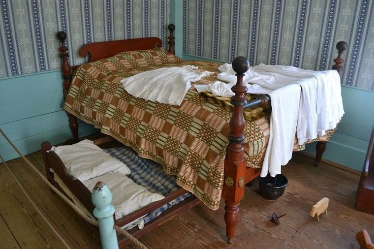 Colonial Trundle Bed Google Search Colonial America