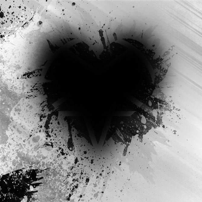 ﻛﻞ ﺷﻲﺀ ﻳﺘﺤﻮﻝ ﺇﻟﯽ ﻣﺎﺽ ﺇﻻ ﺍﻟﻠﺤﻈﺔ ﺍﻟﺘﻲ ﻳﻨﻜﺴﺮ ﻓﻴﻬﺎ ﺍﻟﻘﻠﺐ ﺗﺒﻘﯽ ﺣﺎﺿﺮﺓ ﺇﻟﯽ ان تموت ويصبح القلب اسود Black Heart Abstract Artwork Picture Quotes