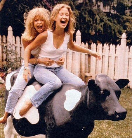 Goldie Hawn + Kate Hudson. Love these ladies! Their happiness always makes me smile!