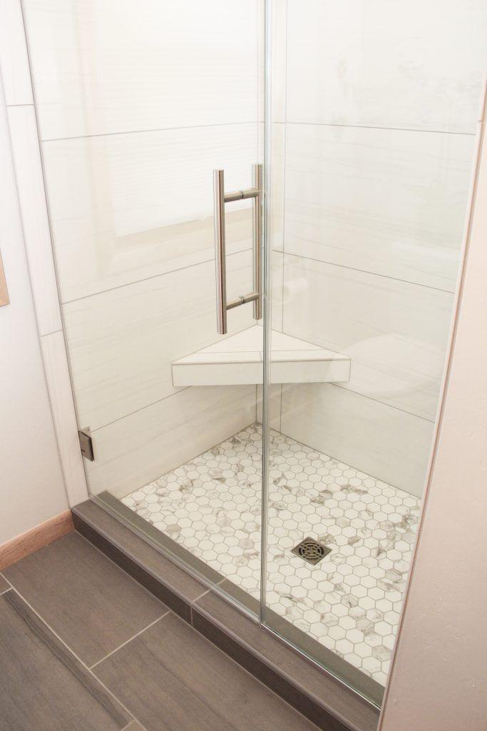 Badezimmerboden Moonstruck Apollo Unpoliert 12 24 Mortel Eisen Duschboden P In 2020 White Tile Shower Shower Wall Tile Shower Floor