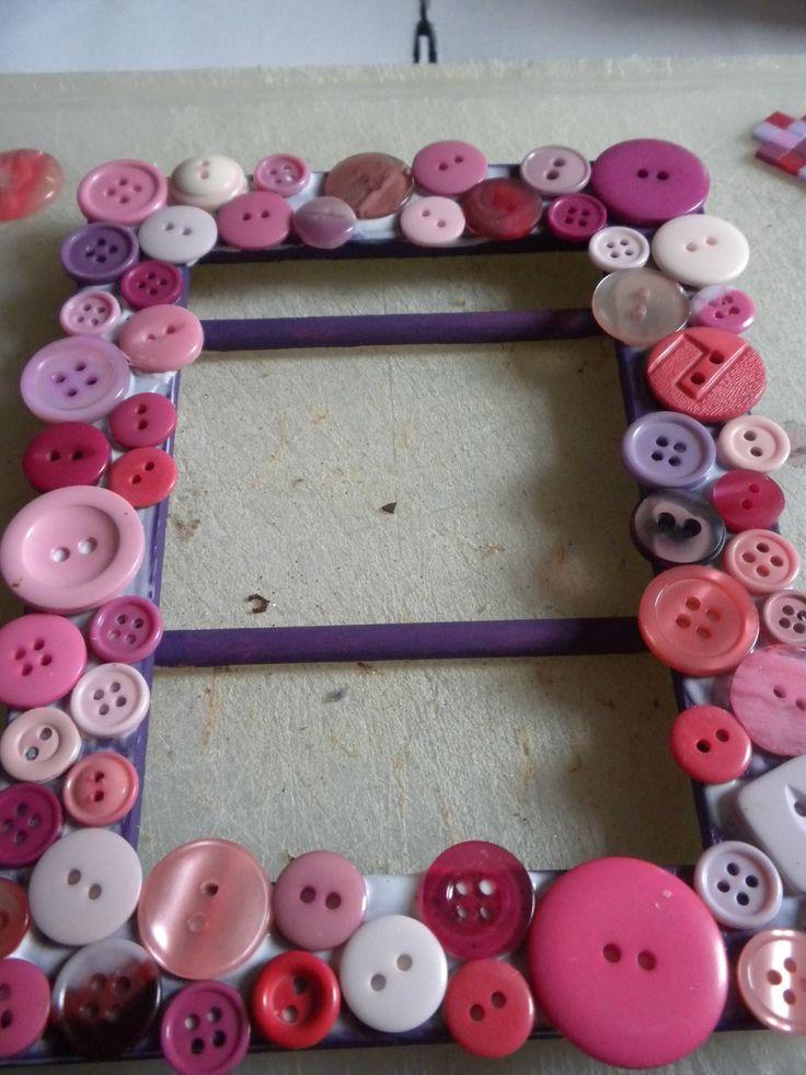 les 34 meilleures images propos de a faire avec des boutons sur pinterest vase de fleurs. Black Bedroom Furniture Sets. Home Design Ideas