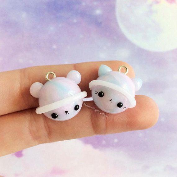 Kawaii Animal Planet Polymer Clay charme, Pastel Goth, Fairy Kei, charme chat mi…