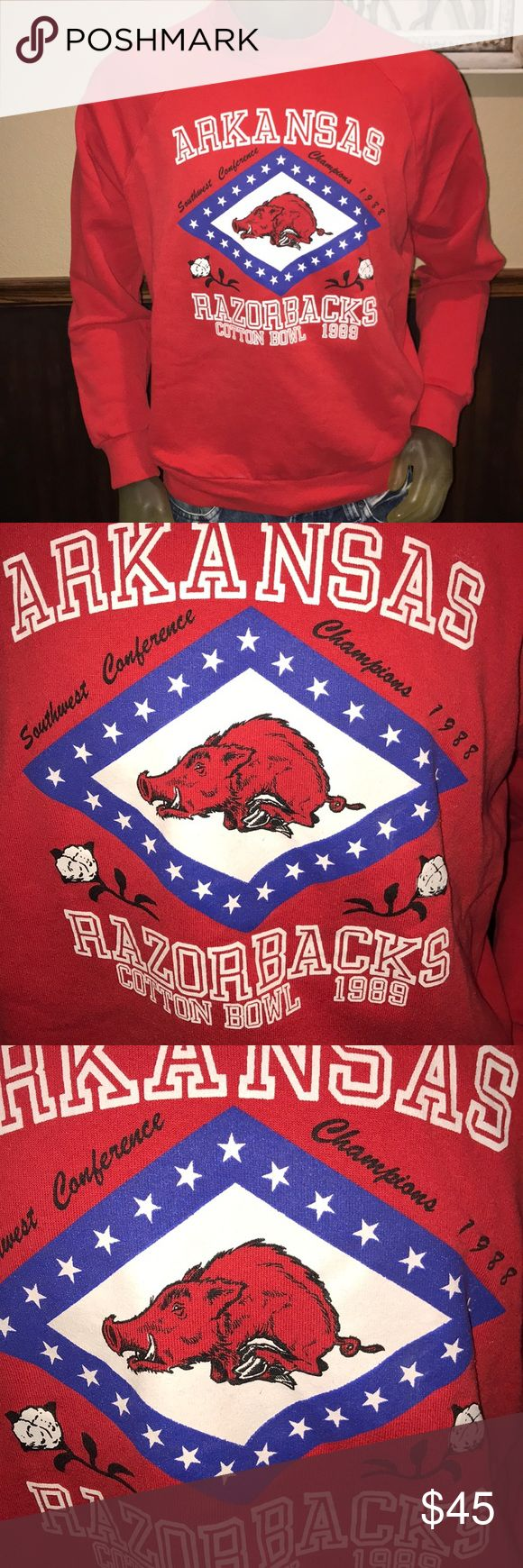 """WOW Vintage Arkansas Razorbacks 1989 Cotton Bowl WOW Vintage Arkansas Razorbacks Football 🏈 1989 Cotton Bowl Razorback - 1988 Southwest Conference Champions - Get a piece of history. This sweatshirt is in amazing condition. 23"""" Pit to pit / 26"""" Top of the shoulder to the bottom of the shirt - XL / Fits more like a large Vintage Shirts Sweatshirts & Hoodies"""