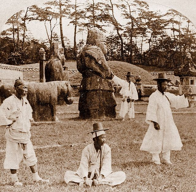OLD KOREA - LAND OF THE MORNING   -- The Royal Tombs | Okinawa Soba