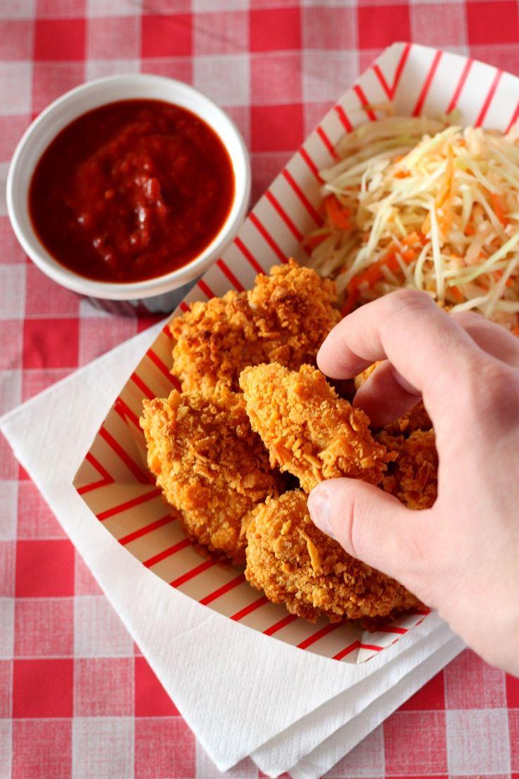 Domowe nuggetsy w płatkach kukurydzianych