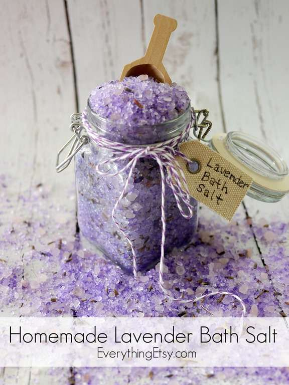 Homemade Lavender Bath Salt Tutorial - This smells amazing! EverythingEtsy.com #diy #doterra