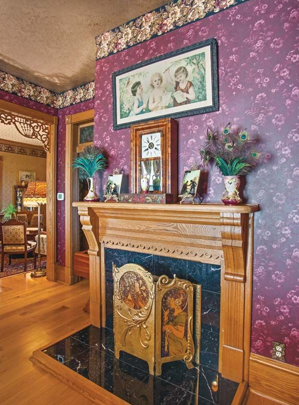 153 best victorian homes images on pinterest beautiful for Folk victorian interior