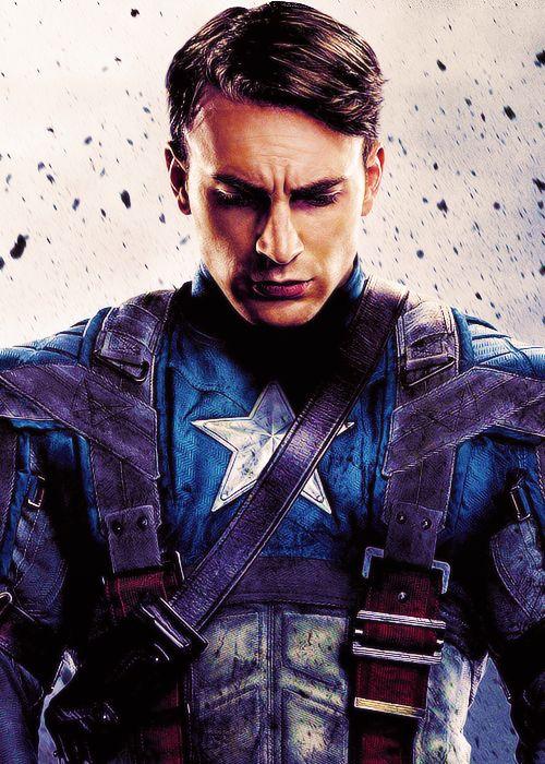 Captain America. Chris Evans    sooooooooooo attractive. <3