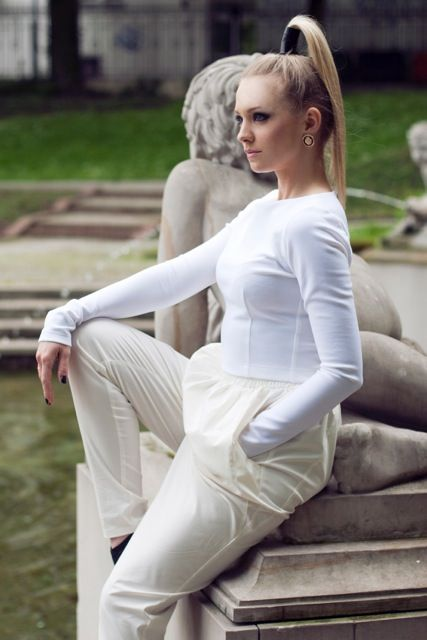 We love this look! Actress Basia Kurdej - Szatan in white top and cream trousers by Melismee :)