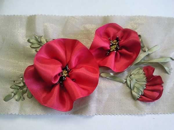 Fabric Craft Ideas | Red poppies made of fabric, craft ideas for Remembrance Day
