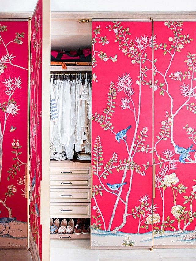 Wallpaper inspiration to get your home improvement veins pumpin.