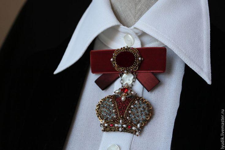 """Купить брошь""""королевишна"""" - вышитые украшения, брошь, корона, Вышивка бисером, ручная авторская работа"""