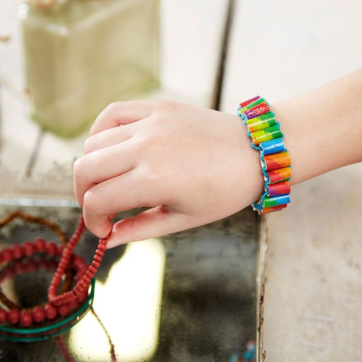 Make a cute duck tape bracelet in less than 30 minutes with this duck tape straw bead bracelet tutorial by Michaels. These bracelets make great gifts for classmates too.