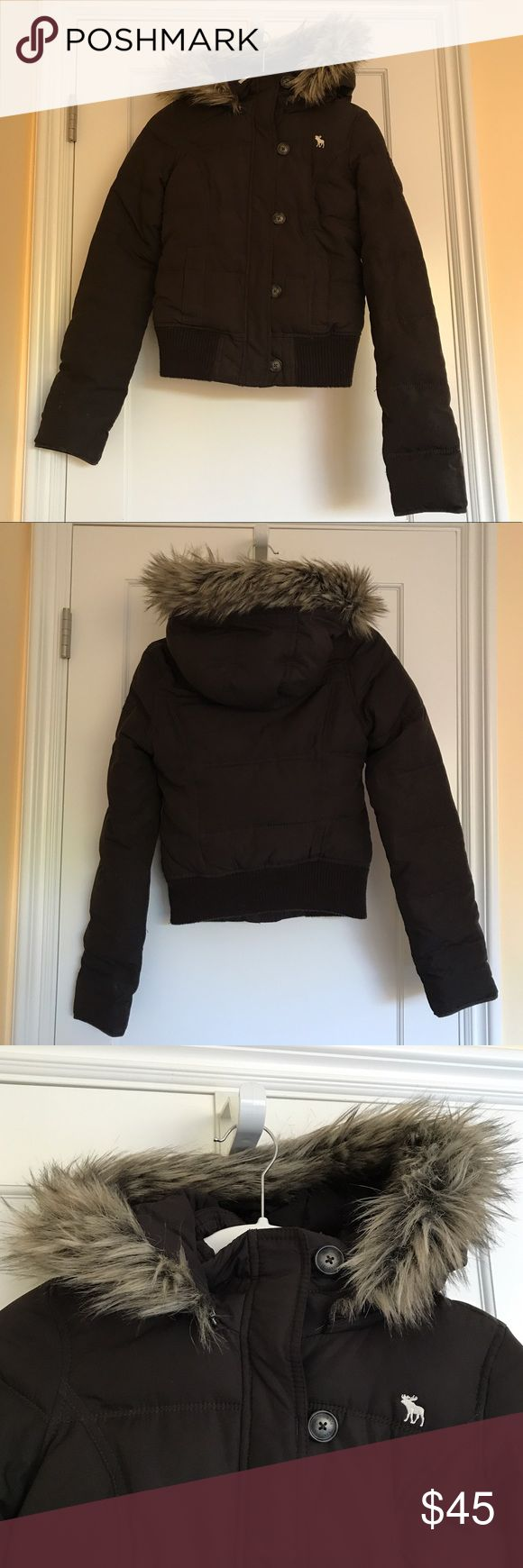 FLASH SALE🚨 Abercrombie Brown Puffer w Fur Hood ONLY ON SALE FOR A LIMITED TIME SO GET IT NOW!!!! This Abercrombie kids XL brown puffer with a fur hood will be a perfect addition to your closet. IT WAS BARELY WORN (I live in California so I didn't have much use for it) AND IS IN AMAZING CONDITION. It zips up in the front and has brown buttons on the sides that also connect the jacket. The fur hood is EASILY DETACHABLE with a zipper! It will also fit a woman who is a size XS (see model)…
