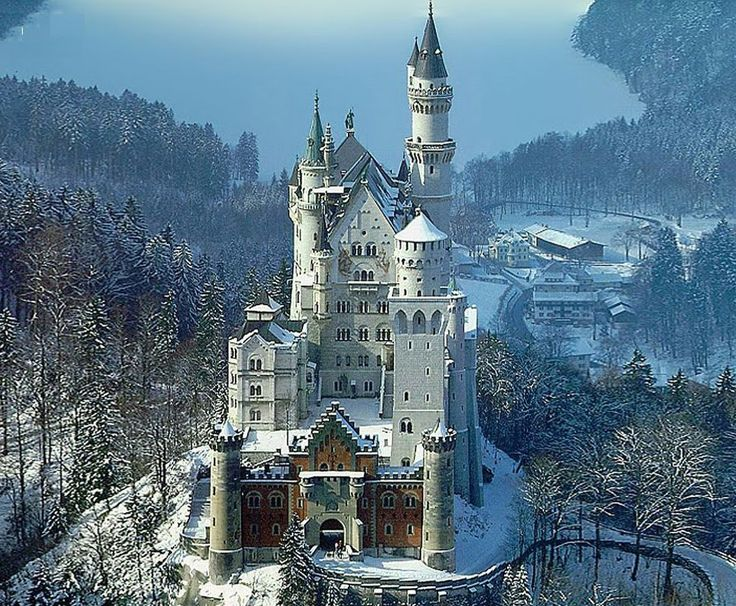 65 best neuschwanstein castle images on pinterest locks. Black Bedroom Furniture Sets. Home Design Ideas