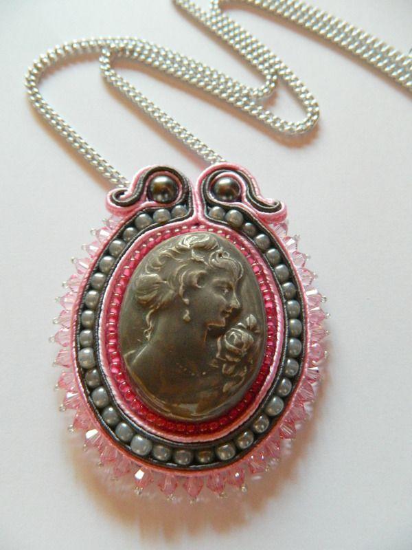 Collier camée en céramique orné de perles et soutache - collier long - Les petits bijoux de Céci - Fait Maison