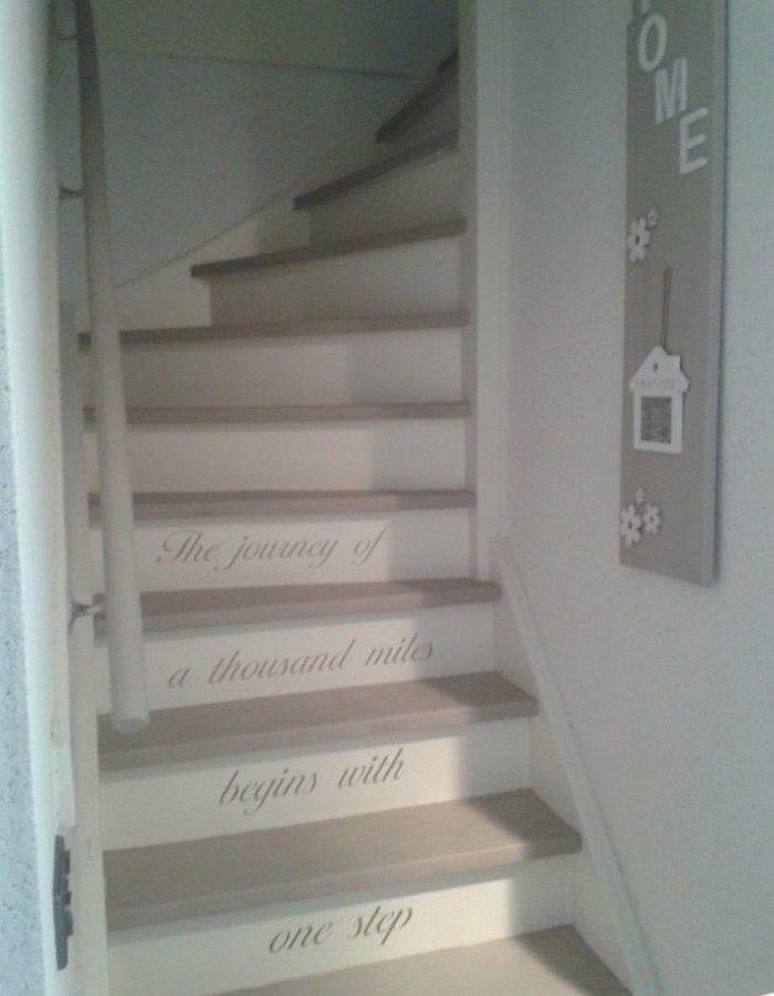 Meer dan 1000 idee n over verf trap op pinterest trappen geschilderde trapplanken en trap for Gang grijs en wit
