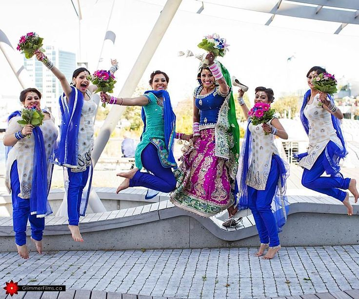 #BridesMaids #bridesmaidsdresses #Beautiful #Bollywood #Style #Indian #wedding #bride #marriage #shadi #india #RED #dulhan #blue