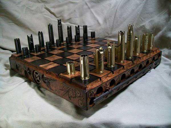 Tabuleiro de xadrez feito com capsulas de munição