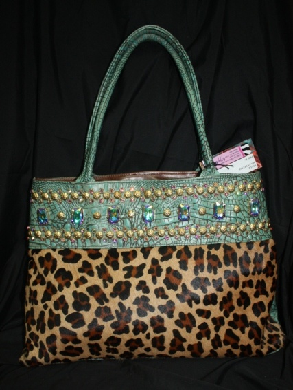 This KurtMen Design purse is IN STOCK and ready to SHIP!! Over 150 KurtMen b966395513