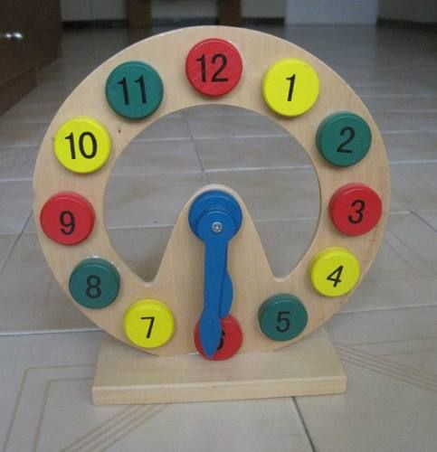 Reloj didactico para ni os de madera juegos y juguetes for Juguetes para jardin infantil