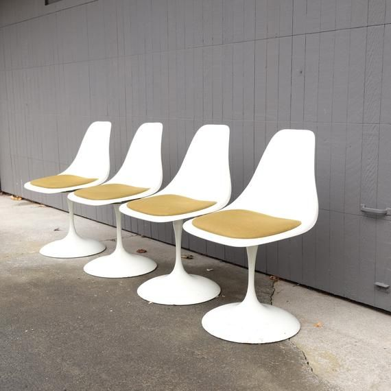Vintage Tulip Chairs Mid Century Modern Set Of 4 Sarrinen