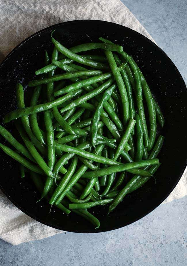 Sometimes it's the simplest of dishes that are the tastiest. Try this Boiled Green Beans Recipe with Butter Glaze that is sure to satisfy!