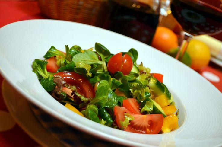 Fresh mixed salad / čerstvý míchaný salát