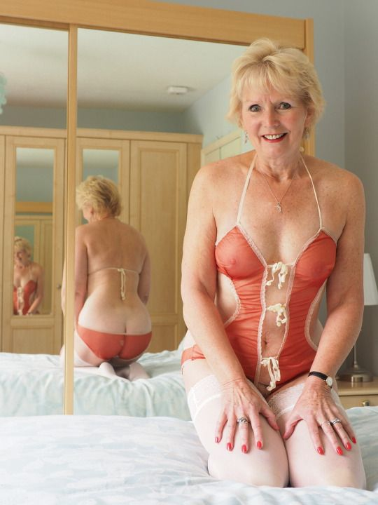 Only lovely mature naked wives