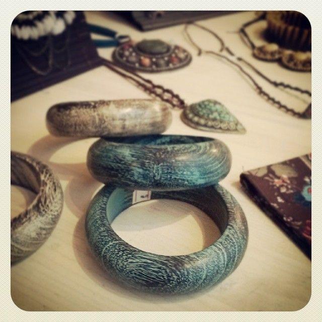 Instagram media by frida.creazioni.verona - #bracciali #braccialetti #legno #India #handmade #artigianato #Frida #Verona