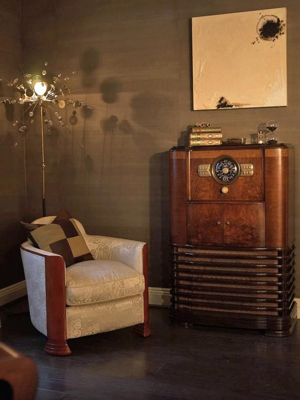 I love the old-timey feel for a masculine home office.  My dad has a vintage radio like this which I would love to have!