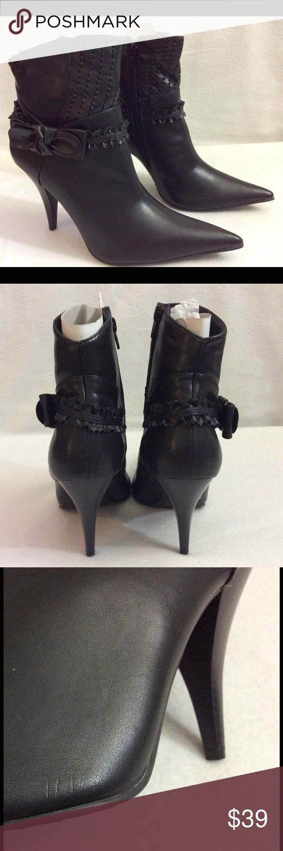 Shop Women's Lasonia Black size 9 Ankle Boots & Booties at a discounted  price at Poshmark. Man made materials.
