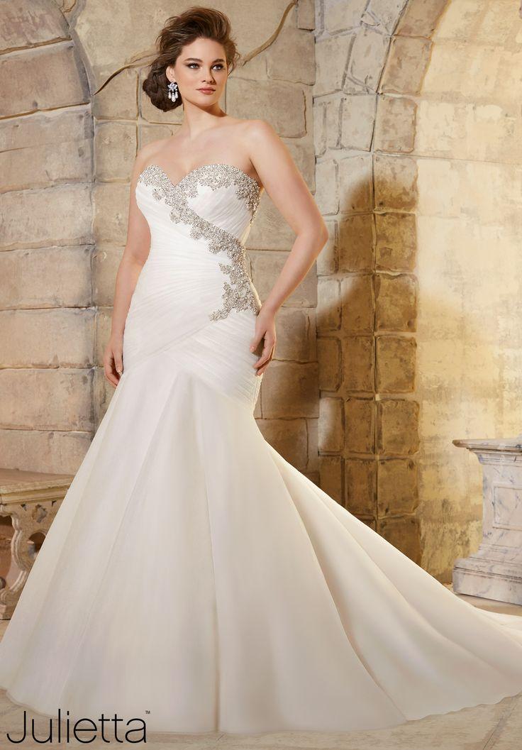 Wedding dresses size 20 plus