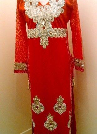 A vendre sur #vintedfrance ! http://www.vinted.fr/mode-femmes/autres/18561720-tenue-indienne-churidaar-kameez-dentelle