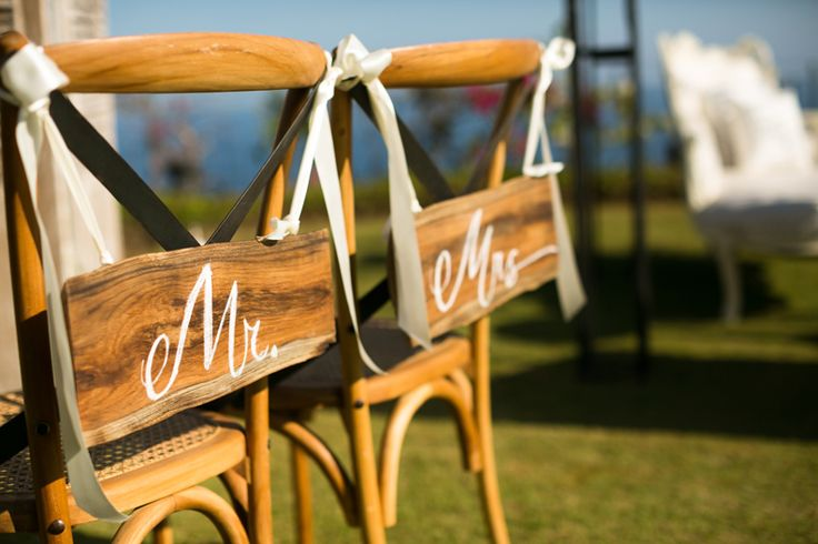 A pair of Chairs for Newlywed
