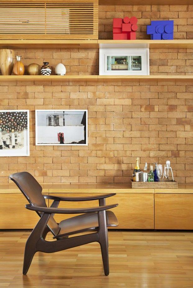 Apartamento decorado por Anna Backheuser do escritório Ateliê de Arquitetura