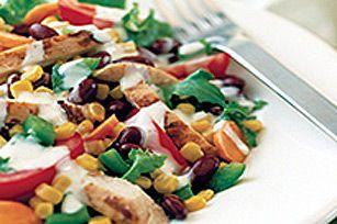 Salade Cobb à votre façon ---------------Donnez de la vie à vos restes de dinde.