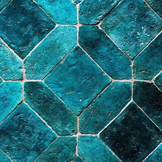 So in love.  @cotto_etrusco. #raw #organic #handmade #design #colour #colouredtiles #blue #turquoise #shadesofblue #tiles #beauty #traditional #urbanedgeceramics #uec #cottoetrusco
