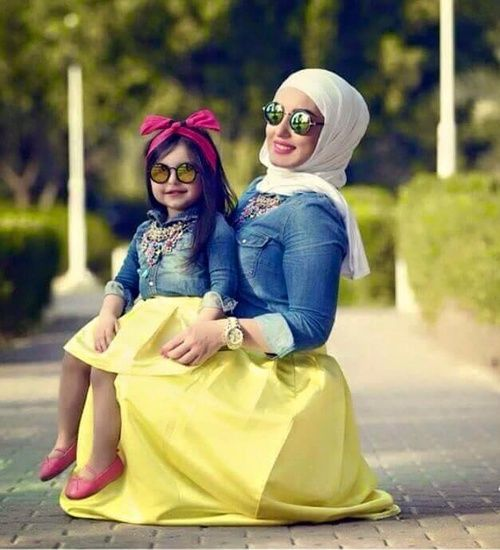 Cute mother & daughter outfit