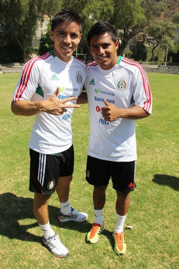 La Selección Mexicana que jugará la Copa Oro sigue con su preparación. Dentro de este grupo Javier Cortés y Efraín Velarde jugadores de Pumas, han mostrado su beneplácito por haber sido considerados para este reto nacional.  Javier Cortés, cuyo último partido con el seleccionado mayor se dio en abril pasado frente a Perú, expresó su sentir por volver a vestirse de verde.